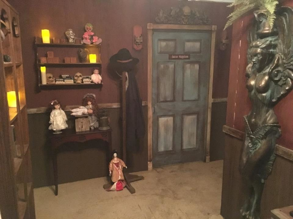 Haunted Scarehouse Escape Rooms