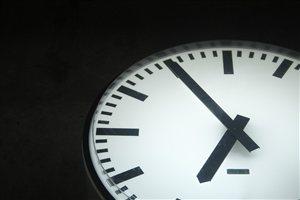 Photo by Ekk814, via Pixabay | https://pixabay.com/en/time-clock-evening-black-white-1247009/