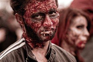 Photo by 27707, via Pixabay | https://pixabay.com/en/zombie-flesh-eater-dead-spooky-949917/